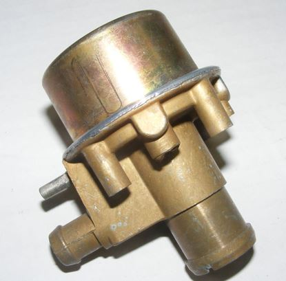 Picture of air pump run-off valve, 6cyl 68-73, 0001400060