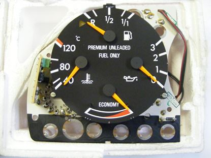 Picture of Mercedes instrument cluster, 2015423401
