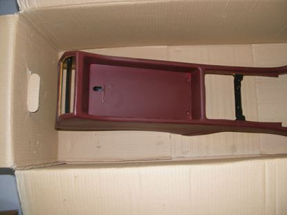Picture of centre console, W126 1266801450 red