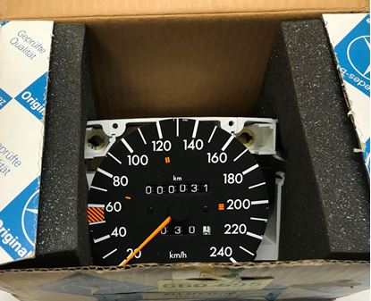 Picture of Mercedes speedometer, 420SEL 01154249060135429306